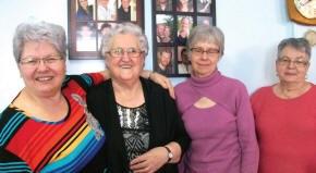 Mme Laurette Fortin et ses amies