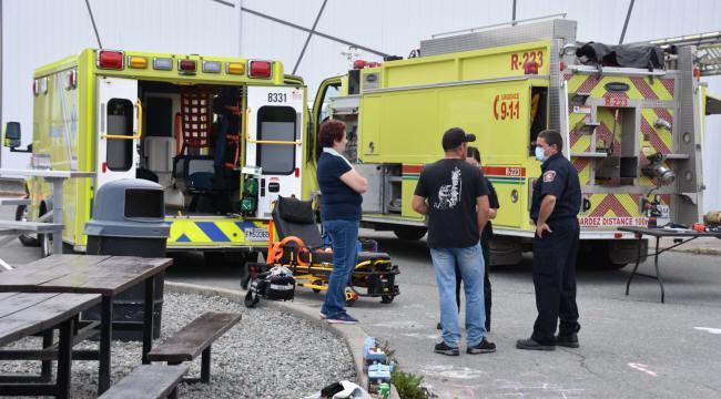Présence d'ambulanciers et de pompiers