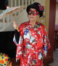 Une dame en kimono...