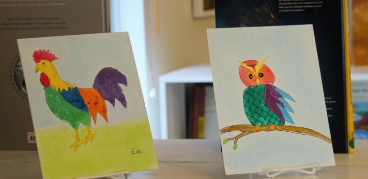 Dessins d'enfants, un coq et un hibou