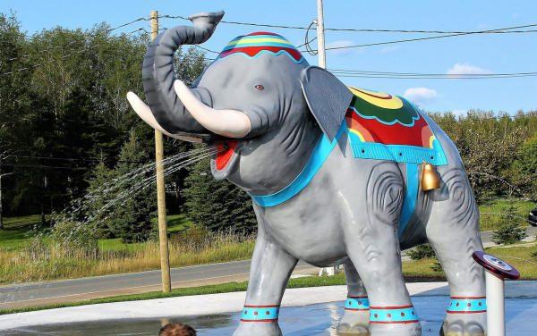 Éléphant'eau, jeu d'eau au parc Victor