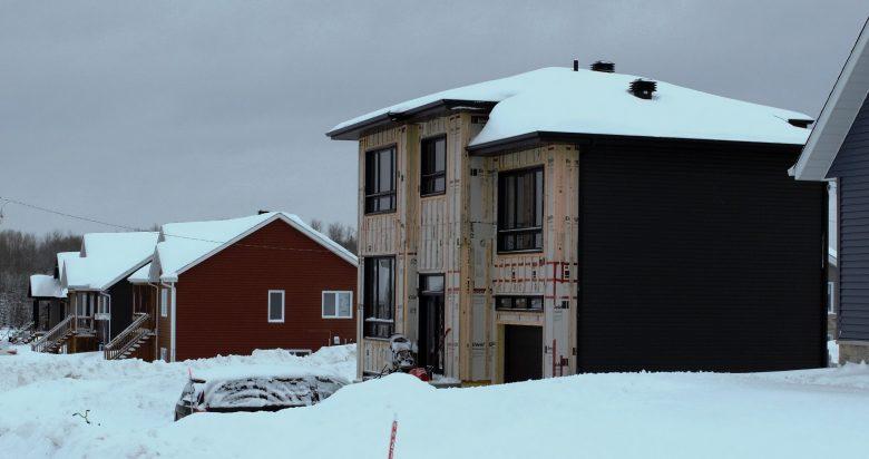 Nouvelles maisons à Évain