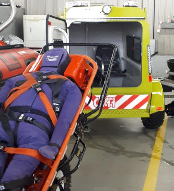 Civière et ambulance