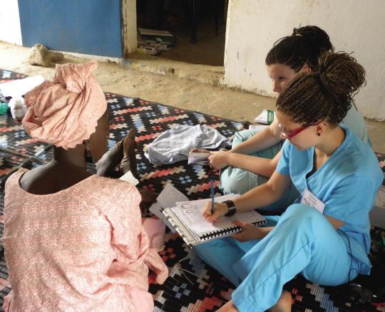 Infirmières en consultation