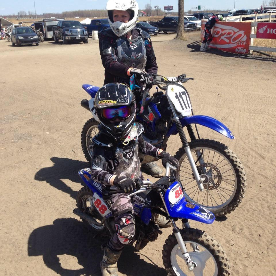 Elliot et Julie Gauthier en motos