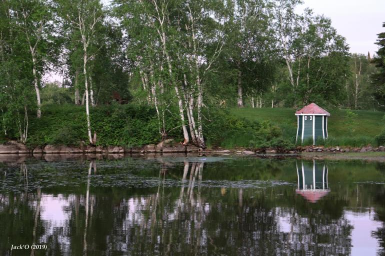 Sur les rives du lac Flavrian