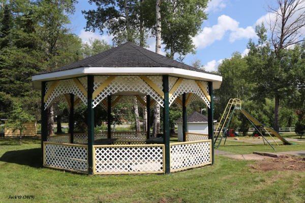 Un pavillon gazébo
